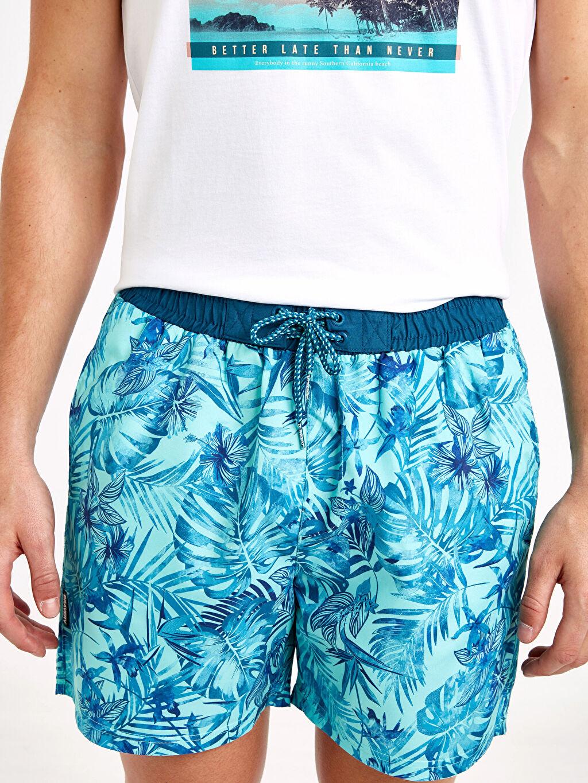 %100 Polyester Kısa Boy Standart Kalıp Desenli Deniz Şortu