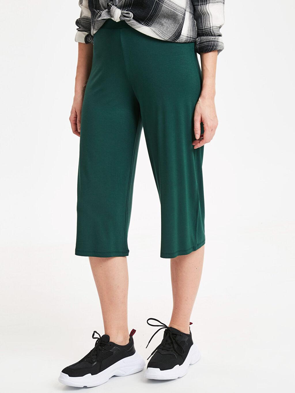 %97 Viskon %3 Elastan Standart Normal Bel Capri Beli Lastikli Kısa Paça Pantolon