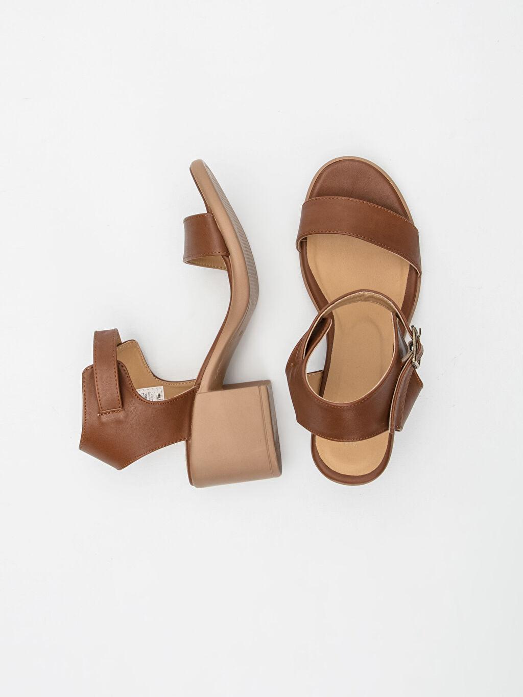 Diğer malzeme (poliüretan) Diğer malzeme (poliüretan) Dolgu Topuk Kısa Düz Topuklu Ayakkabı 4 cm Kadın Topuklu Sandalet