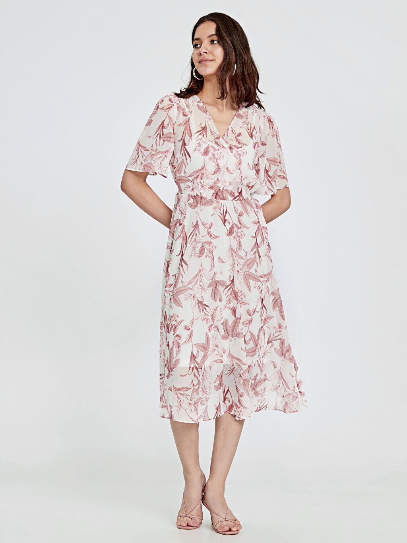 %100 Polyester %100 Polyester V Yaka Kısa Kol Midi Elbise Baskılı Bol Kruvaze Yaka Çiçek Desenli Şifon Elbise