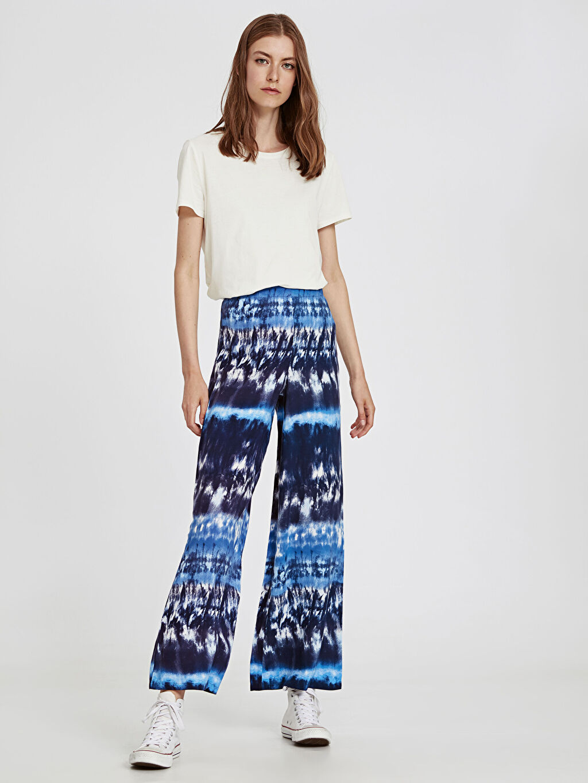 %100 Viskoz Standart Baskılı Normal Bel Uzun Beş Cep Pantolon Geniş Paça Beli Lastikli Batik Desenli Viskon Palazzo Pantolon