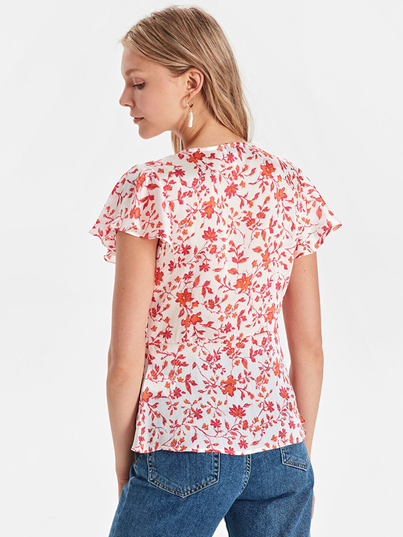 Kadın Çiçek Desenli Saten Bluz