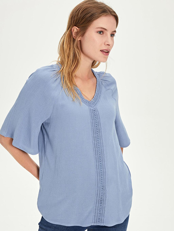%100 Viskoz Standart Krinkle V Yaka Kısa Kol Patsız Bluz Düz Bluzan Dantel Detaylı Viskon Bluz