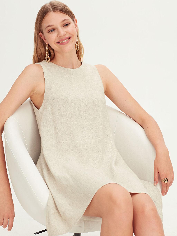 Bej Salaş Kolsuz Elbise 9SC856Z8 LC Waikiki