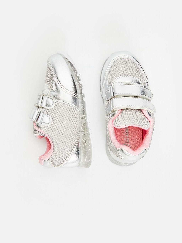 %0 Diğer malzeme (poliüretan) %0 Tekstil malzemeleri (%100 poliester) Sneaker Kısa Pamuk Astar Kısa(0-2cm) Kız Bebek Parlak Görünümlü Nakışlı Spor Ayakkabı
