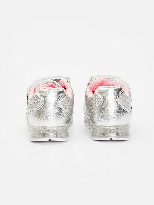 Kız Bebek Parlak Görünümlü Nakışlı Spor Ayakkabı