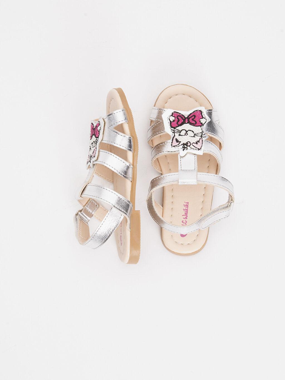 %0 Diğer malzeme (poliüretan) %0 Tekstil malzemeleri (%100 poliester) Kısa(0-2cm) Kısa PU Astar Sandalet Kız Bebek Parlak Görünümlü Sandalet