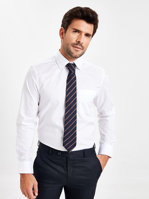 Beyaz Regular Fit Armürlü Uzun Kollu Gömlek 9W0793Z8 LC Waikiki