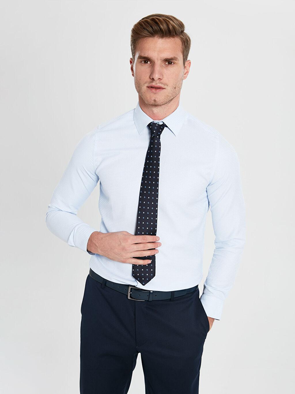 Mavi Slim Fit Uzun Kollu Armürlü Gömlek ve Kravat 9WG706Z8 LC Waikiki