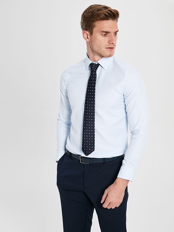 Erkek Slim Fit Uzun Kollu Armürlü Gömlek ve Kravat