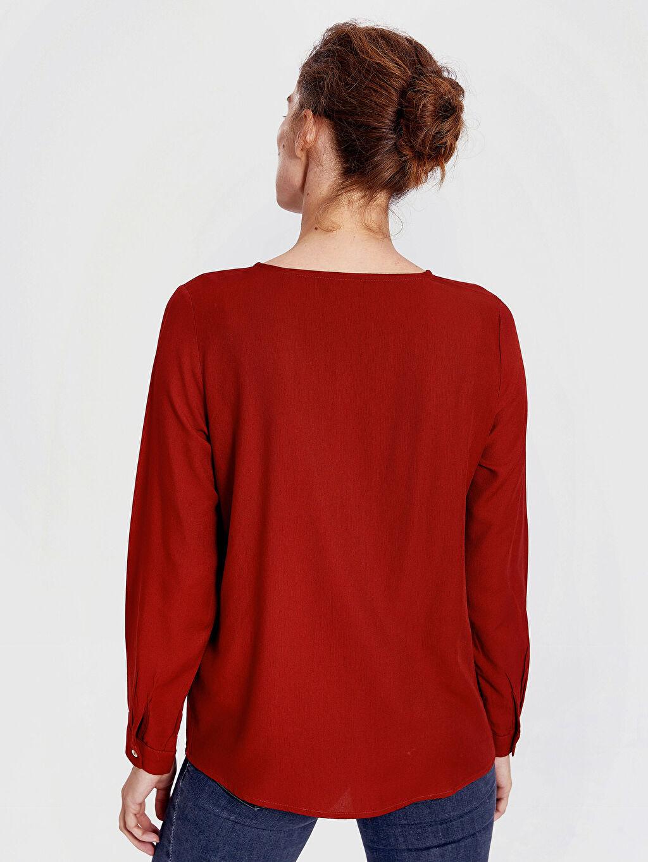 Kadın Yaka Detaylı Krep Bluz