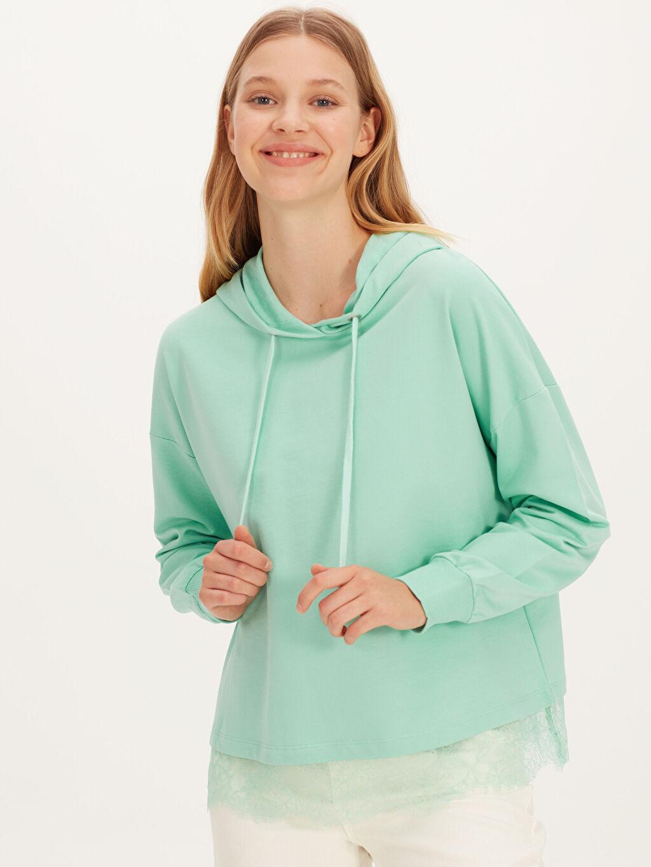 Yeşil Dantel Detaylı Kapüşonlu Sweatshirt 9WK147Z8 LC Waikiki