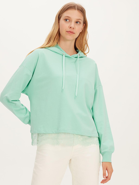 %100 Pamuk Günlük Standart Kapüşon Yaka İnce Sweatshirt Kumaşı Sweatshirt Standart %100 Pamuk Dantel Detaylı Kapüşonlu Sweatshirt