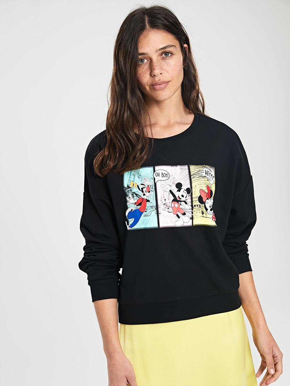 %43 Pamuk %57 Polyester Standart Bisiklet Yaka Günlük İnce Sweatshirt Kumaşı Kısa Sweatshirt Mickey Mouse Baskılı Sweatshirt