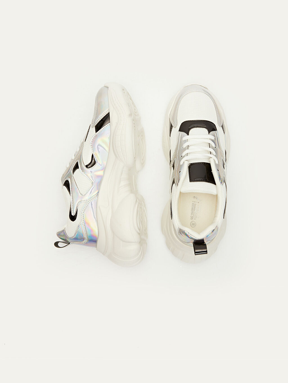 Tekstil malzemeleri Diğer malzeme (poliüretan) Tekstil malzemeleri 4 cm Yuvarlak Burun Diğer Standart Sneaker Kadın Kalın Taban Hologramlı Spor Ayakkabı