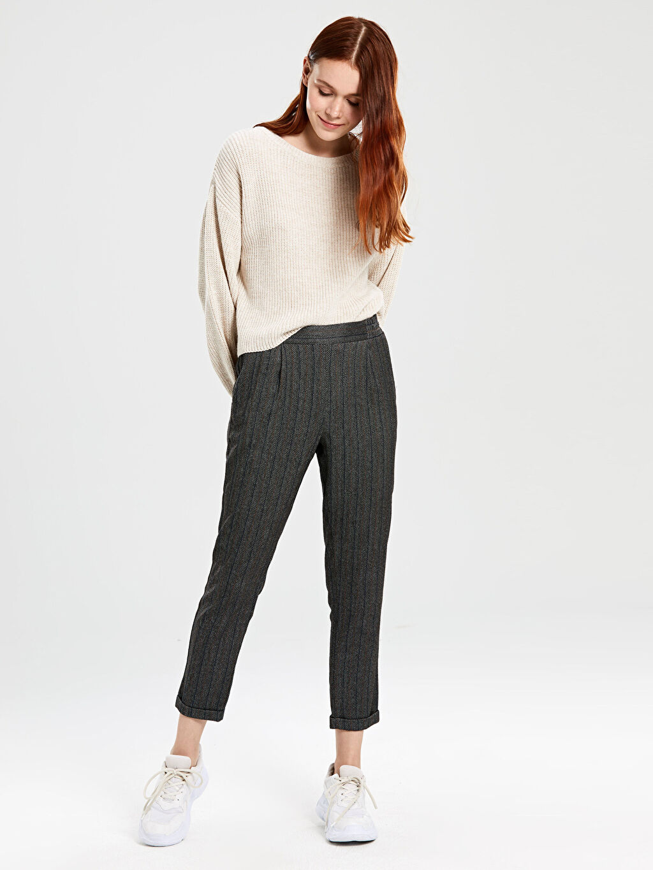 %64 Polyester %2 Elastan %34 Viskon Normal Bel Havuç Kesim Pantolon Bilek Boy Çizgili Bilek Boy Desenli Havuç Pantolon