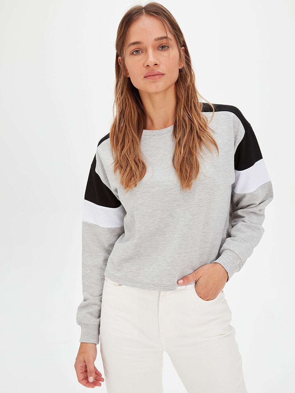 Kadın Renk Bloklu Sweatshirt