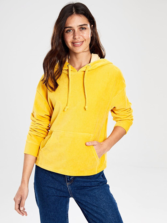 Sarı Kapüşonlu Kadife Sweatshirt 9WP573Z8 LC Waikiki