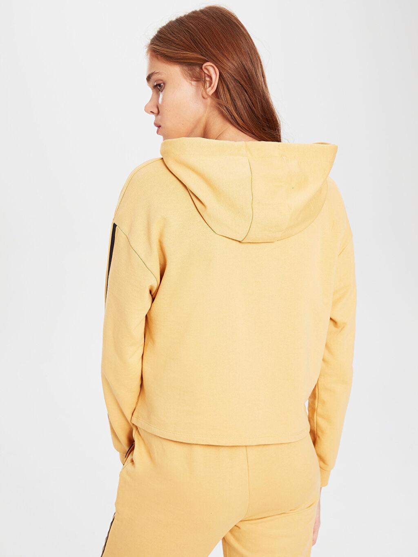 %50 Pamuk %50 Polyester Şerit Detaylı Sweatshirt