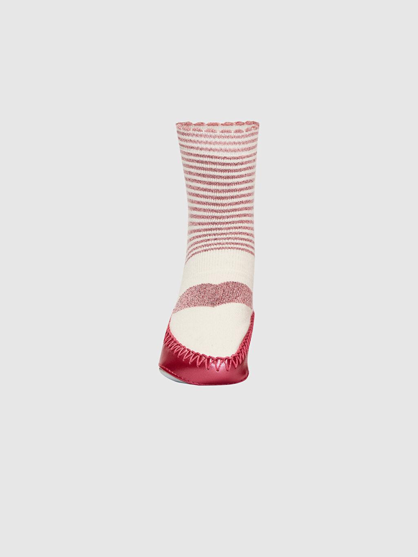 %81 Pamuk %14 Poliamid %4 Metalik iplik %1 Elastan %100 Poliüretan Yüksek Pamuk İçerir Dikişli Kalın Baskılı Ev Çorabı Casual/Günlük Kız Bebek Desenli Ev Çorabı