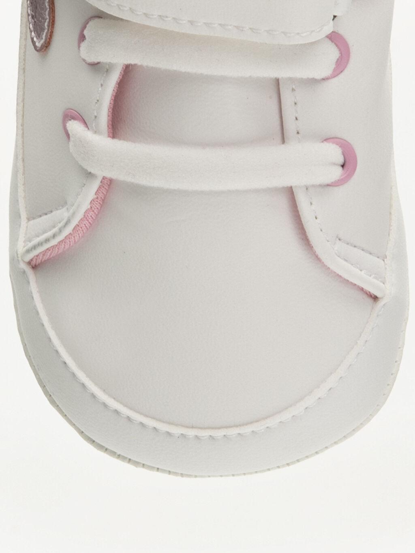 LC Waikiki Beyaz Kız Bebek Deri Görünümlü Ayakkabı