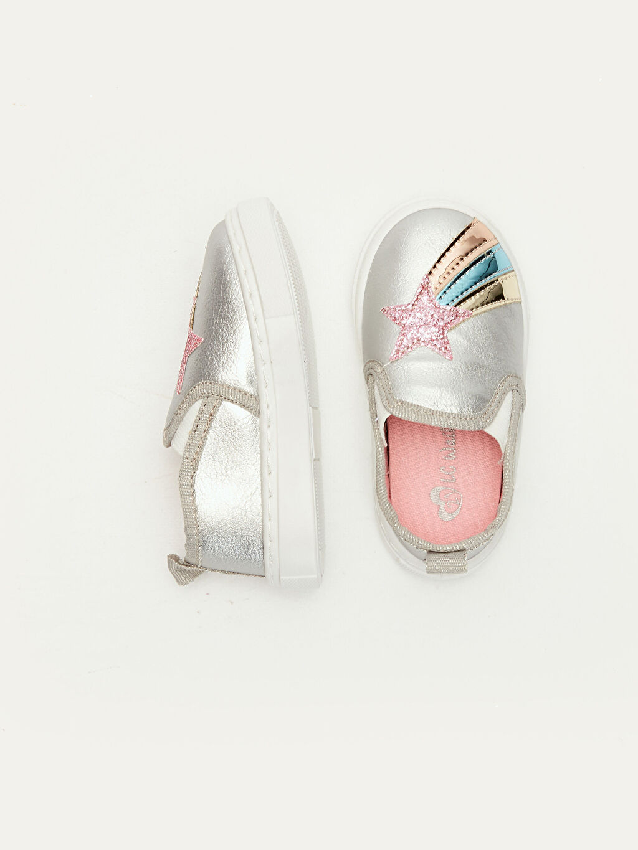 %0 Diğer malzeme (poliüretan) %0 Tekstil malzemeleri (%100 poliester) Sneaker Işıksız Polyester Astar Diğer Kız Bebek Yıldız Aplikeli Ayakkabı
