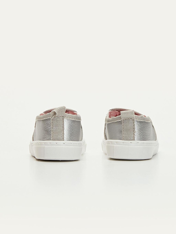 Kız Bebek Yıldız Aplikeli Ayakkabı