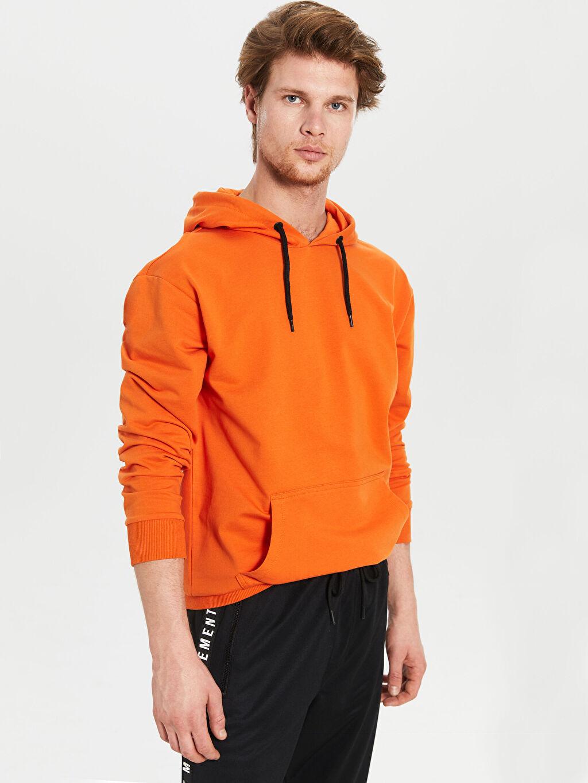 Turuncu Kapüşonlu Basic İnce Sweatshirt 0S2901Z8 LC Waikiki