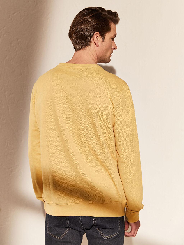%44 Pamuk %54 Polyester %2 Viskoz Bisiklet Yaka Basic Sweatshirt