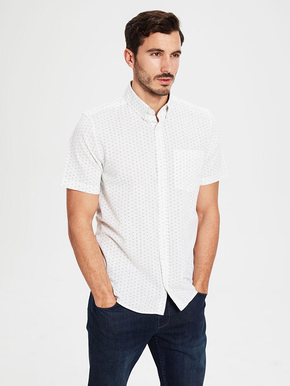 %100 Pamuk Kısa Kol Düğmeli Gömlek Yaka Poplin Gömlek Standart Baskılı Patlı %100 Pamuk Regular Fit Desenli Kısa Kollu Gömlek