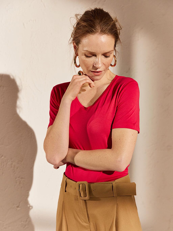 %100 Viskoz İnce Standart Tişört V Yaka Kısa Kol Düz Penye %100 Pamuk V Yaka Viskon Tişört
