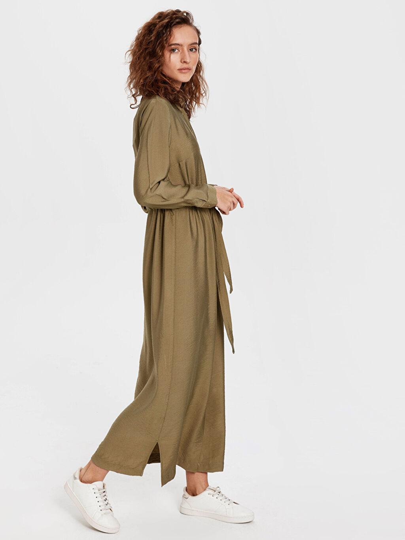 Haki Dokulu Kumaştan Kuşaklı Uzun Elbise 0S6970Z8 LC Waikiki