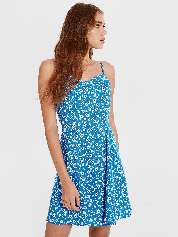 %100 Viskon Dar Çiçekli Günlük Fit&Flare Elbise Kısa İnce Kare Yaka Askılı Desenli Viskon Elbise