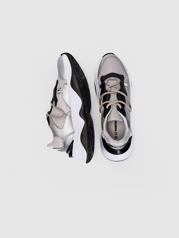 %0 Tekstil malzemeleri (%100 poliester) Diğer Standart Sneaker Oval Burun 3 cm Kadın Kalın Taban Günlük Spor Ayakkabı