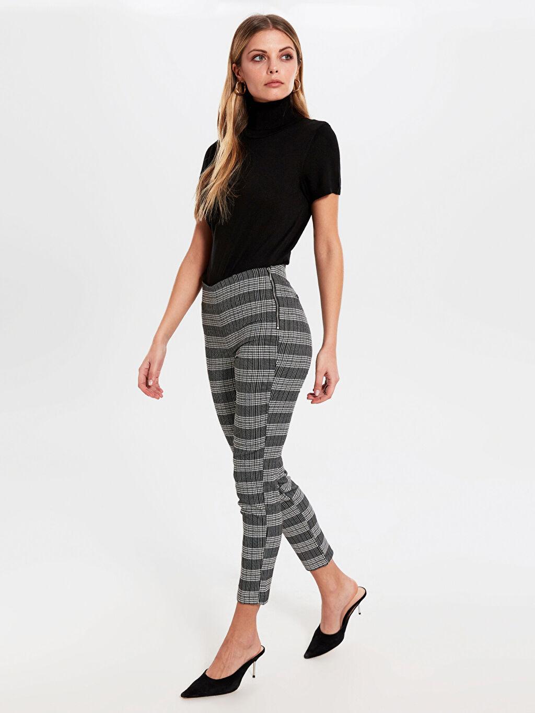Siyah Yüksek Bel Esnek Skinny Kısa Paça Pantolon 0SI798Z8 LC Waikiki