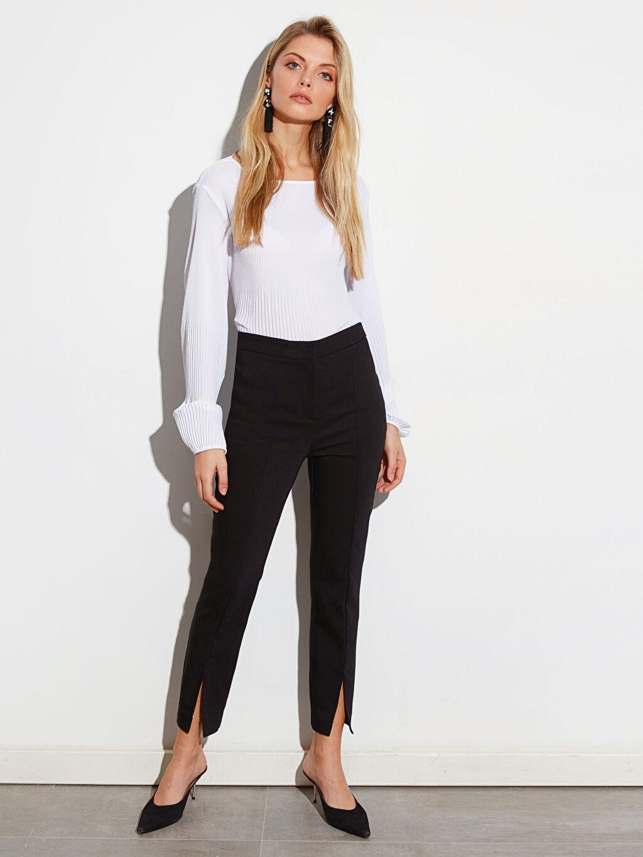 Siyah Paçaları Yırtmaçlı Bilek Boy Slim Kumaş Pantolon 0SJ164Z8 LC Waikiki
