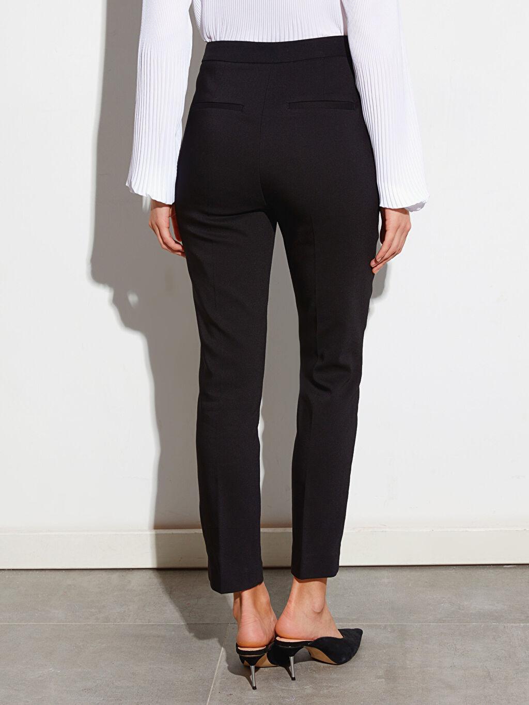 Kadın Paçaları Yırtmaçlı Bilek Boy Slim Kumaş Pantolon