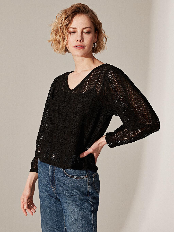 %98 Polyester %2 Elastan Standart Tişört V Yaka Uzun Kol Düz Standart Bluzan Dantel Dantel Detaylı V Yaka Bluz