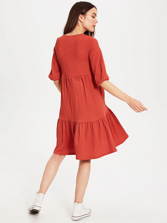 %99 Polyester %1 Elastan Dokulu Kumaştan Fırfır Detaylı Hamile Elbise