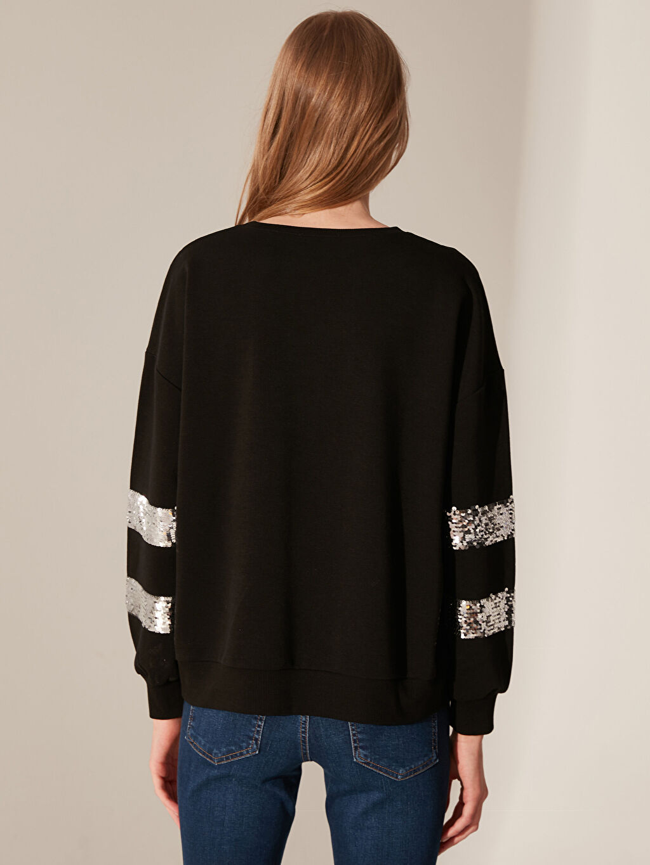 %44 Pamuk %56 Polyester Pul İşlemeli Sweatshirt