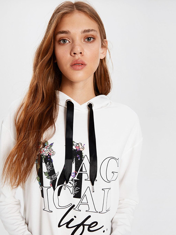 %62 Polyester %38 Viskoz Standart Standart İnce Uzun Kol Sweatshirt Kapüşon Yaka İnce Sweatshirt Kumaşı Günlük Slogan Baskılı Kapüşonlu Sweatshirt
