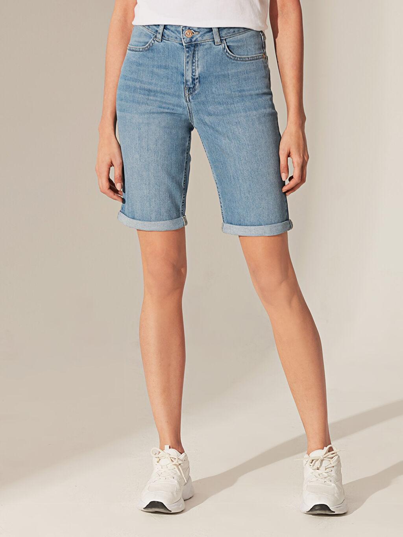 %99 Pamuk %1 Elastan Kalın Normal Bel Jean Şort Diz Üstü Normal Bel Jean Şort