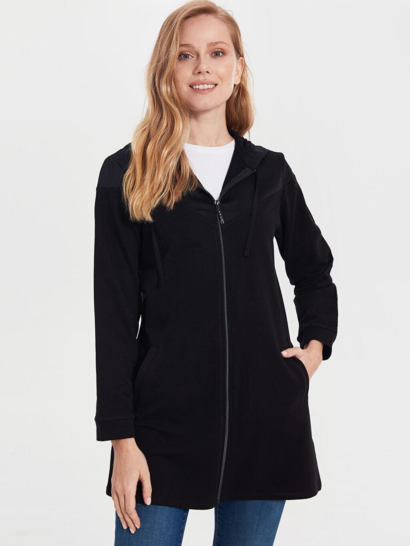 Siyah Fermuarlı Kapüşonlu Uzun Sweatshirt 0SB098Z8 LC Waikiki