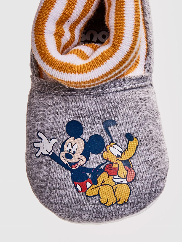LC Waikiki Gri Erkek Bebek Mickey Mouse Lisanslı Çoraplı Ev Ayakkabısı