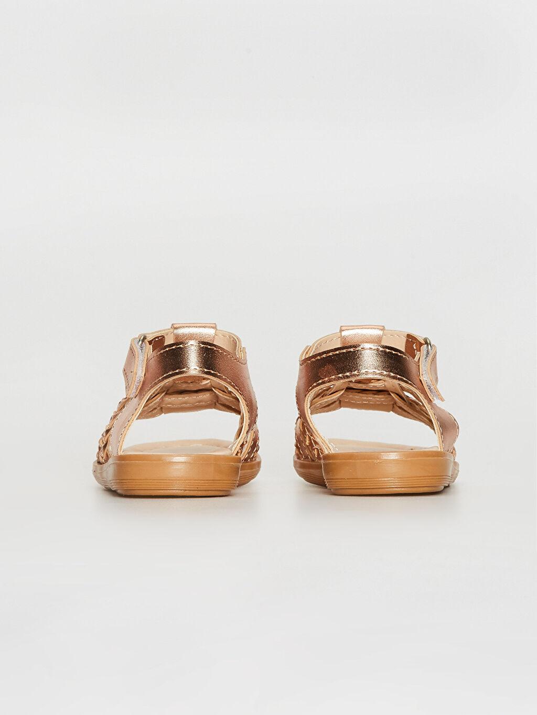 0SB243Z1 Kız Bebek Parlak Görünümlü Cırt Cırtlı Sandalet