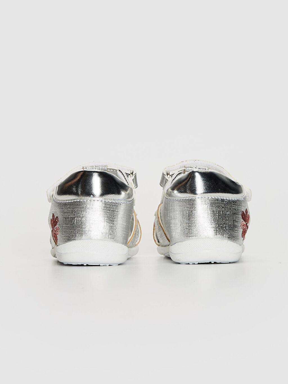 0SC056Z1 Kız Bebek Nakış Detaylı Cırt Cırtlı Sandalet