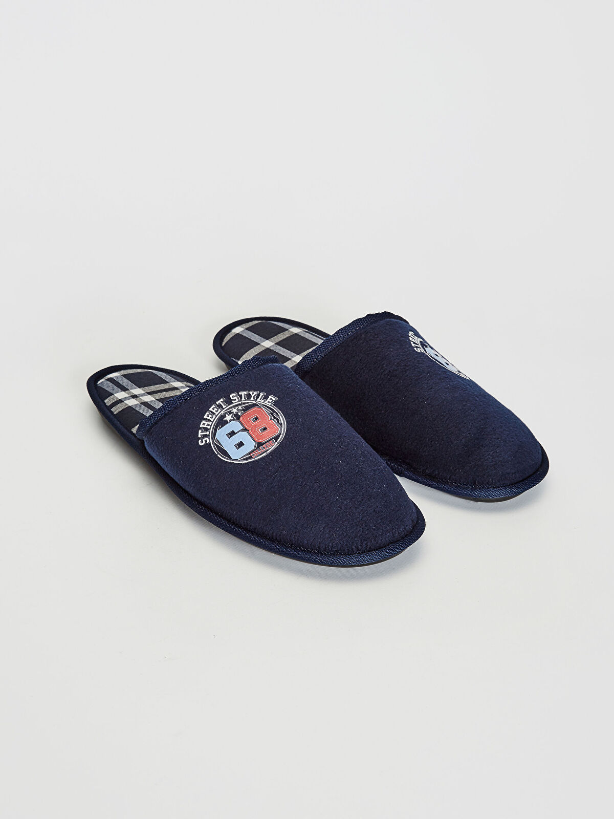 Домашнє взуття - LC WAIKIKI