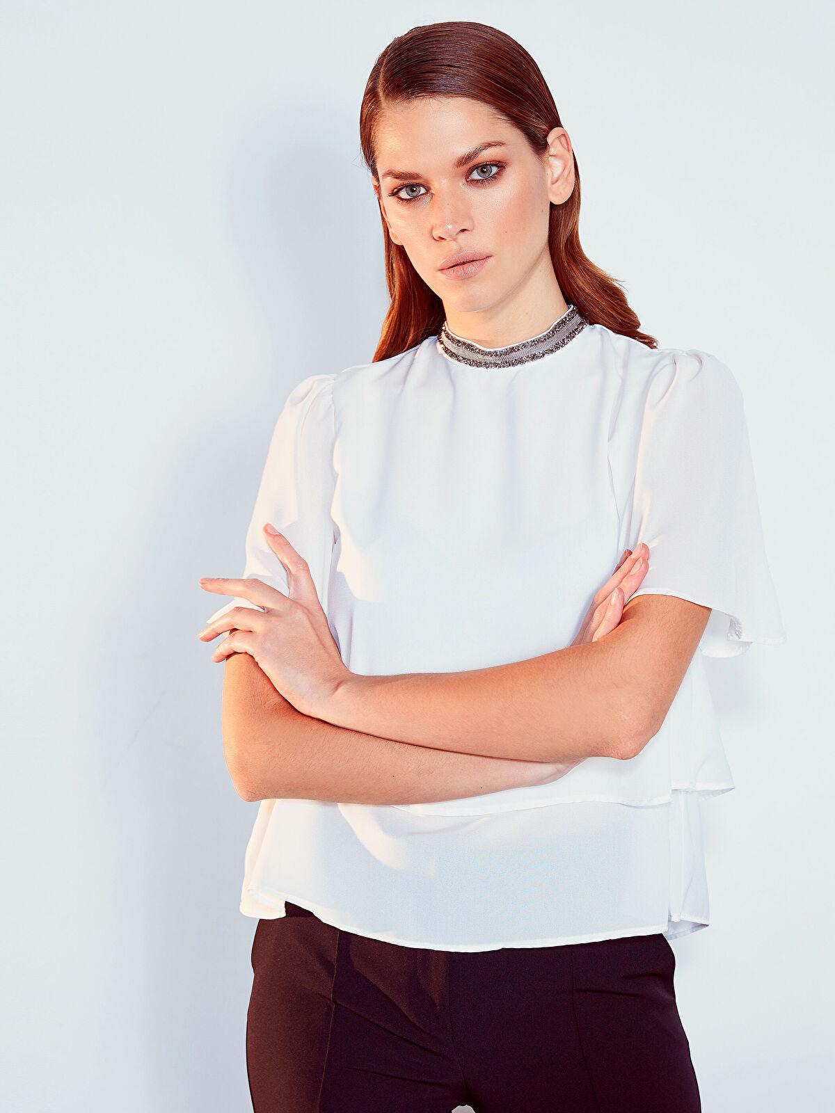 Yaka Detaylı Fırfırlı Krep Bluz - LC WAIKIKI