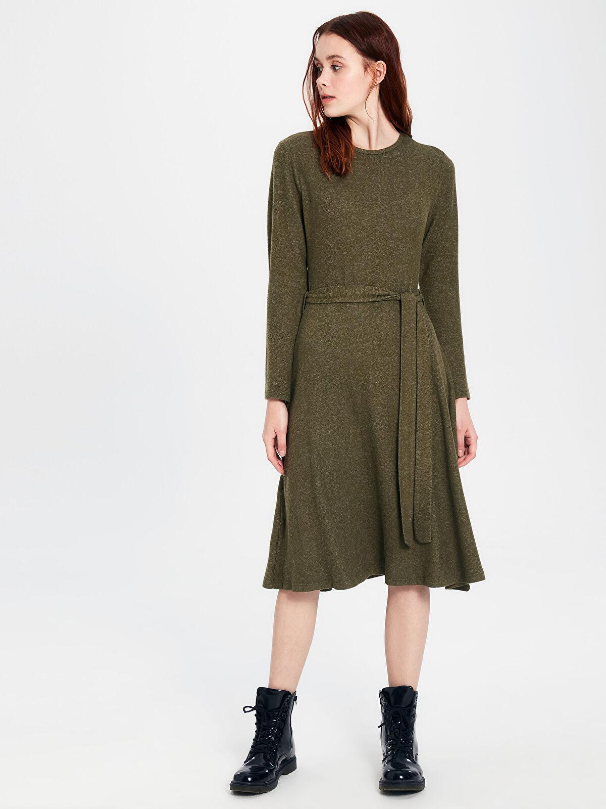 Kuşaklı Kendinden Desenli Kloş Elbise - LC WAIKIKI