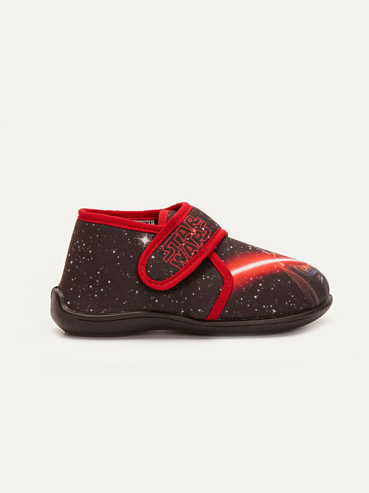 Erkek Çocuk Star Wars Baskılı Ev Ayakkabısı - LC WAIKIKI